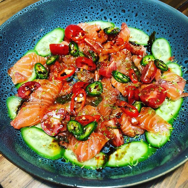 Spicy Salmon carpaccio 🐟🍥🍣 sweet soy