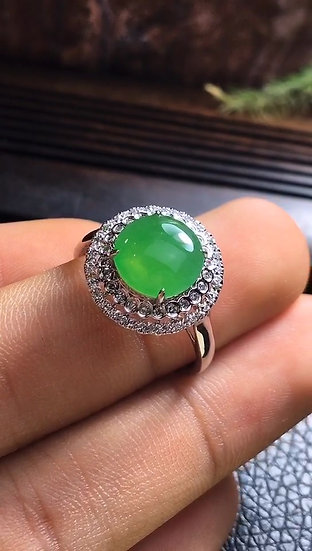 Beautiful Quality Green Jadeite Ring with Diamond Studs (S50019)