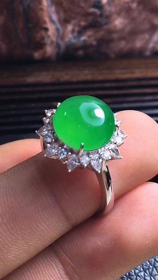 Hiigh Quality Green Jadeite Ringwith Diamond Studs (S50005)
