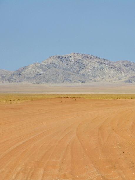 Piste-sable-Namibie-Slow-life.jpeg