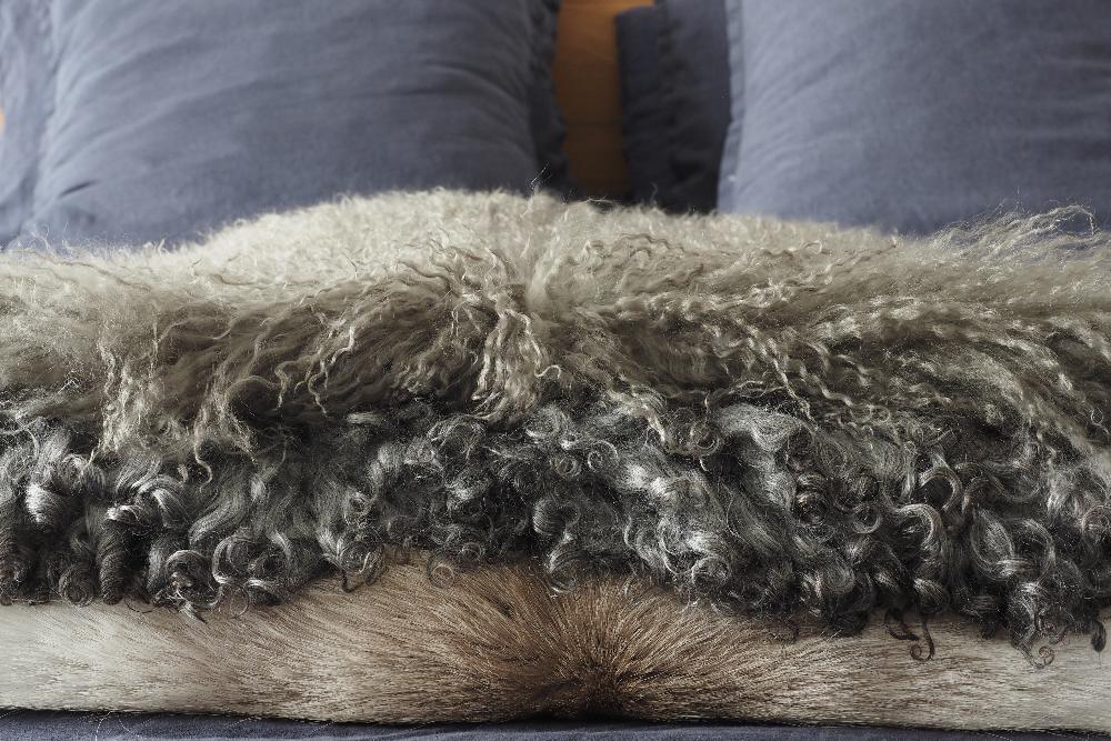 Peaux-mouton-agneau-renne-slow-deco.jpg