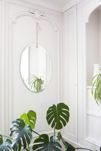 mir13-mnuance-miroir-mural-lien-en-cuir.