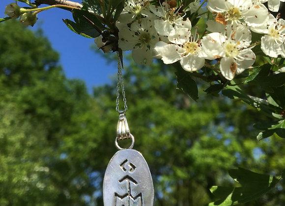 Silver Ytene Pedant & Chain