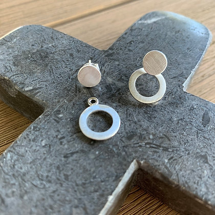 Brushed stud and circle earrings