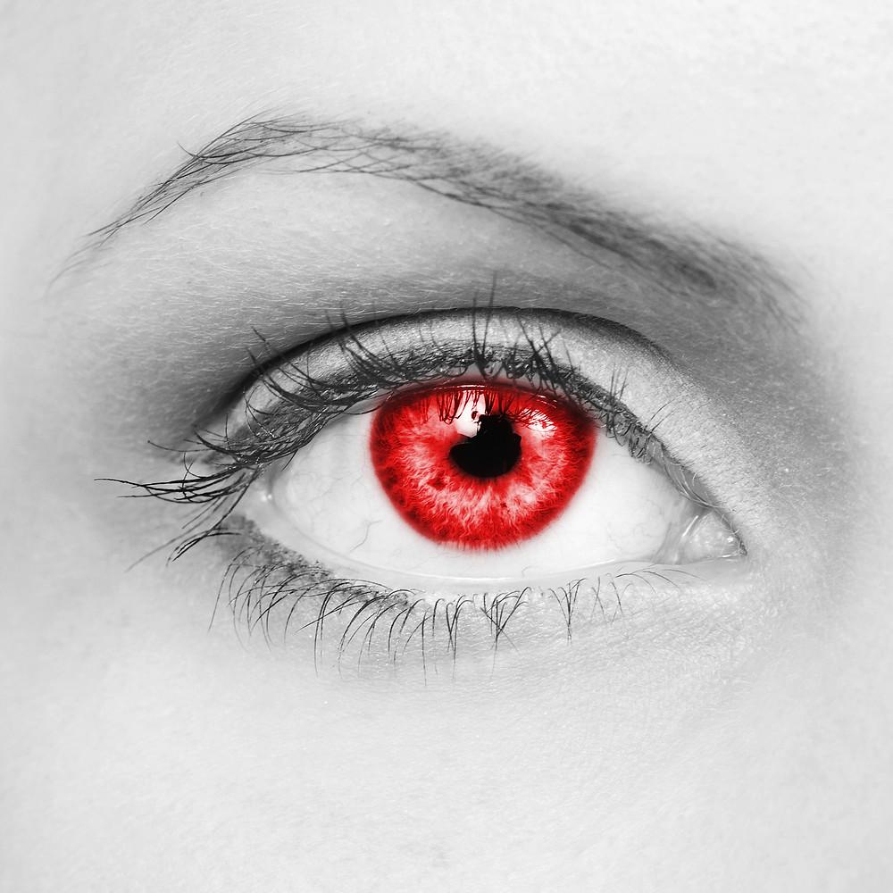 Closeup of a Pyromancer woman's eye