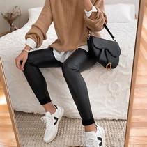 Looks estilosos com legging para ficar em casa