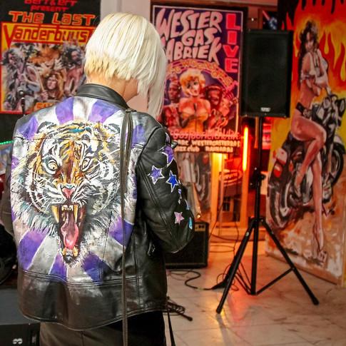 maxi, tigerjacket, painted leather, kiki weerts