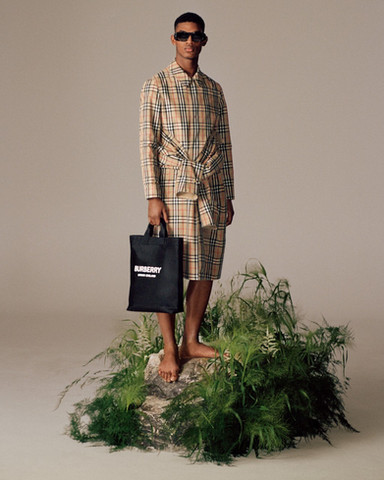 Burberry Unveils its New Sustainable Collection: The 'ReBurberry Edit'