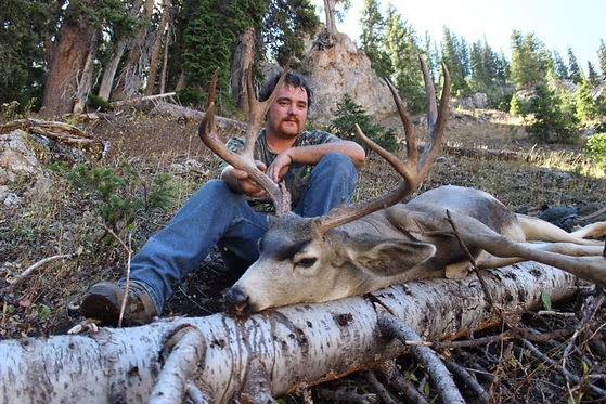 Guided Deer Hunts with O'Brien Creek Outfitters in Wyoming