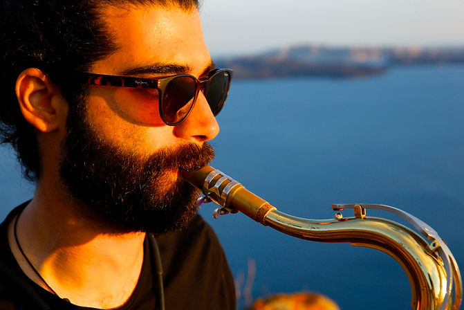 saxophonist santorini wedding
