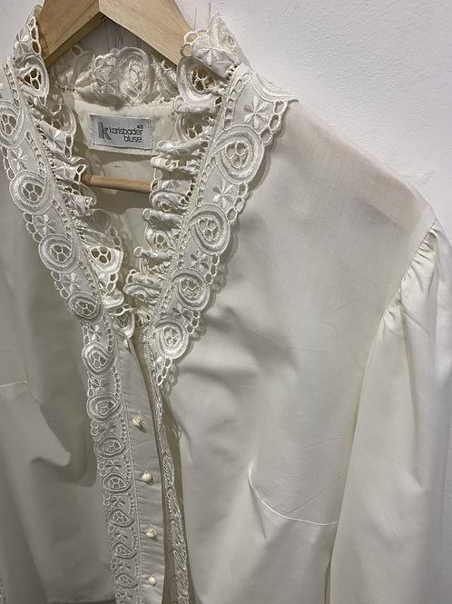 Blouse with broderie Anglaise details