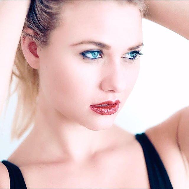 #shooting #aicha #johannakleen #danywild #marcapasos #kontor #closeup #blueeyes #musicvideo #fashion