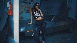 #screenshot #sunglassesatnight #bodybangers #victoriakern #danywild #miami #delorean #dmc12 #fashion