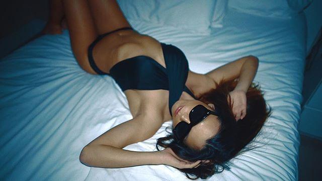 #screenshot #sunglassesatnight #bodybangers #victoriakern #danywild #miami #bed #moody #fashion #fas
