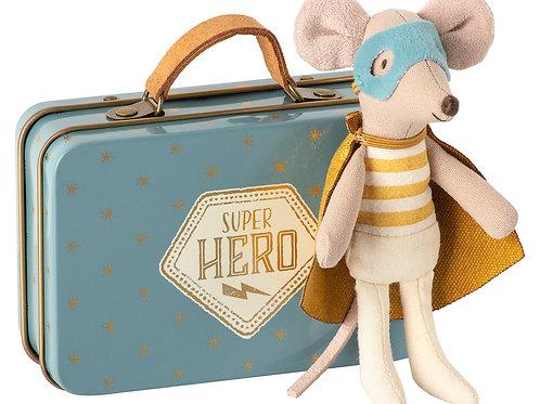 """Souris super héros avec sa valise """"Maileg"""""""