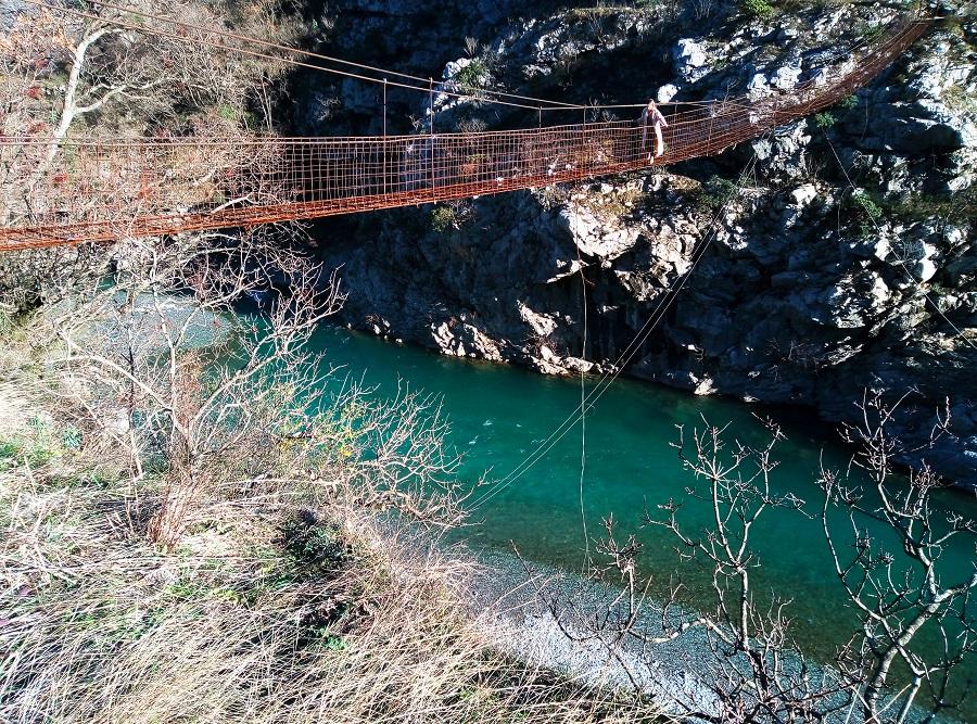 река Морача Черногория, каньон Морача Черногория, мост каньон Морача, подвесной мост Черногория, как найти подвесной мост в Черногории