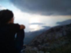 Артем смотрит на панораму