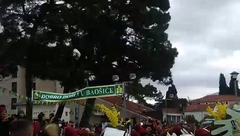 Шествие на фестивале мимозы 2019