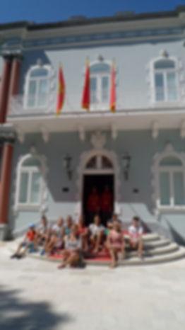 crnagoriya.com_plavij_dvorac_stepenice.j