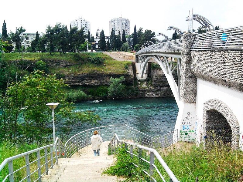 Пешеходный мост в Подгорице, мост подгорица, мосты в подгорице, символы подгорицы, подгорица столица