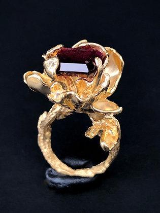 Gold Petal Ring with Magenta Tourmaline
