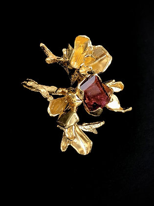 Gold Floriate Ring with Rubellite Tourmaline