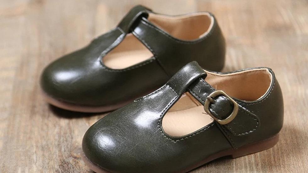 Black retro shoes
