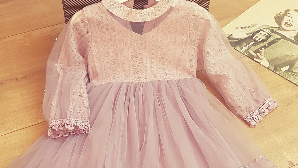Light violet dress with tulle