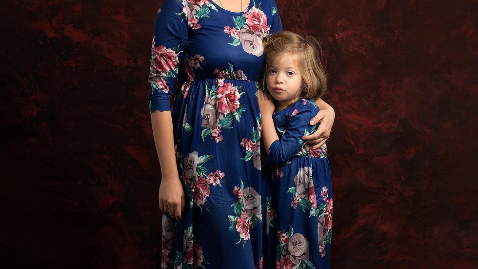Set of 2 long dresses for mama & daughter