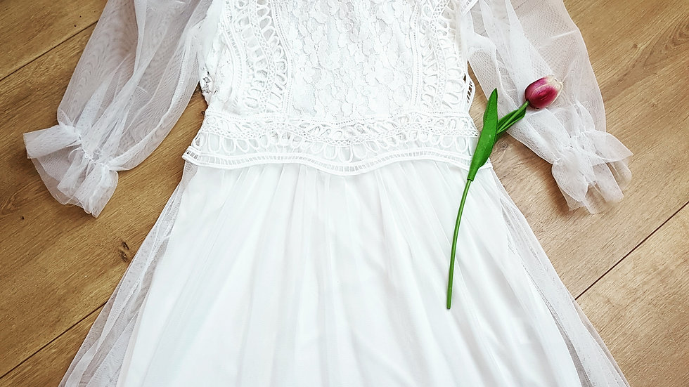 White boho dress with tulle