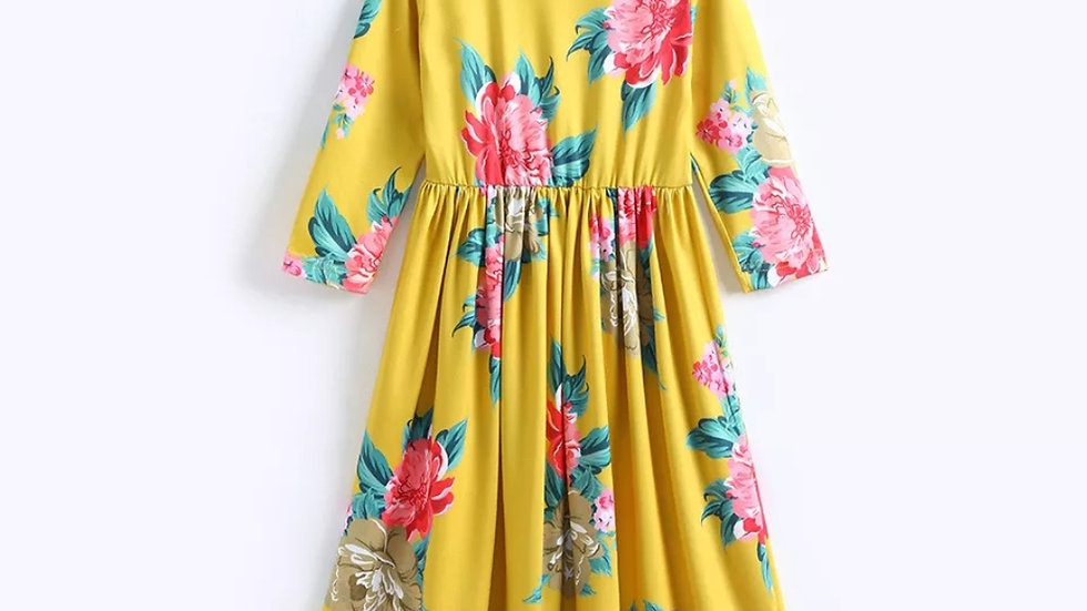 Long yellow dress with flowers