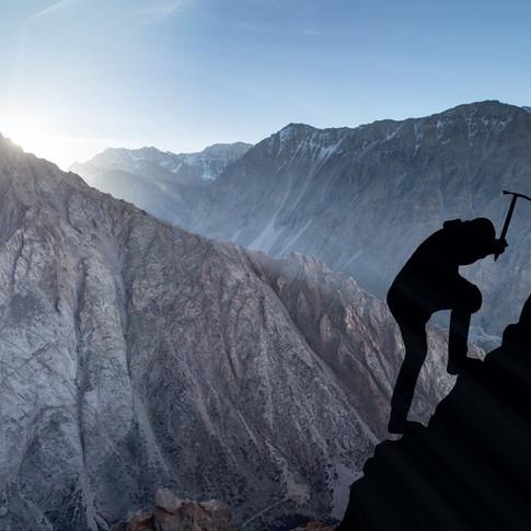 mountaineering-2040824.jpg