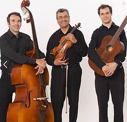 Serenata - Latin Folk Music with Pablo Garzon