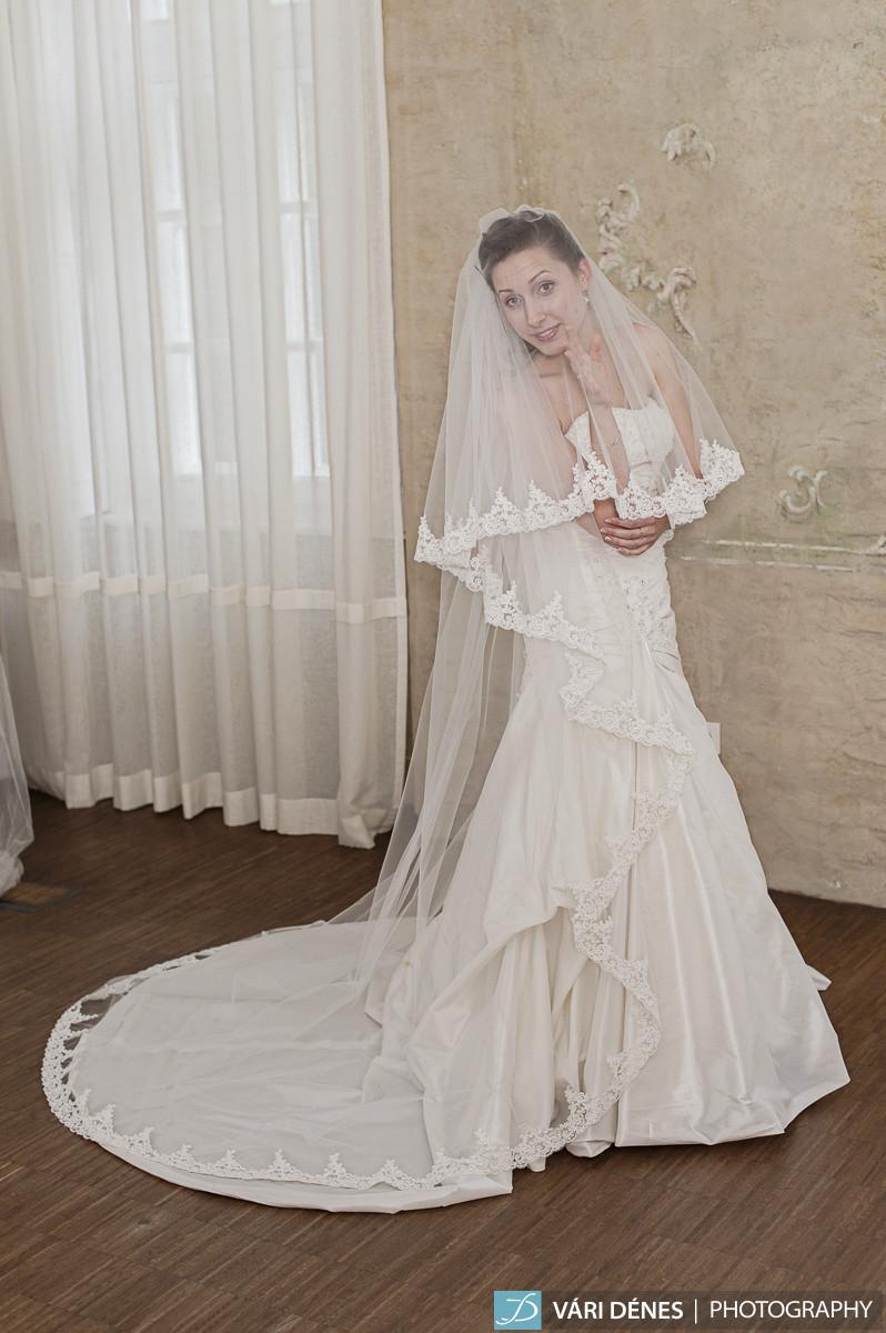 Dorka  menyasszonyi fátyol