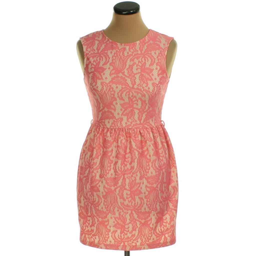 Rózsaszín, drapp, csipkehatású ruha