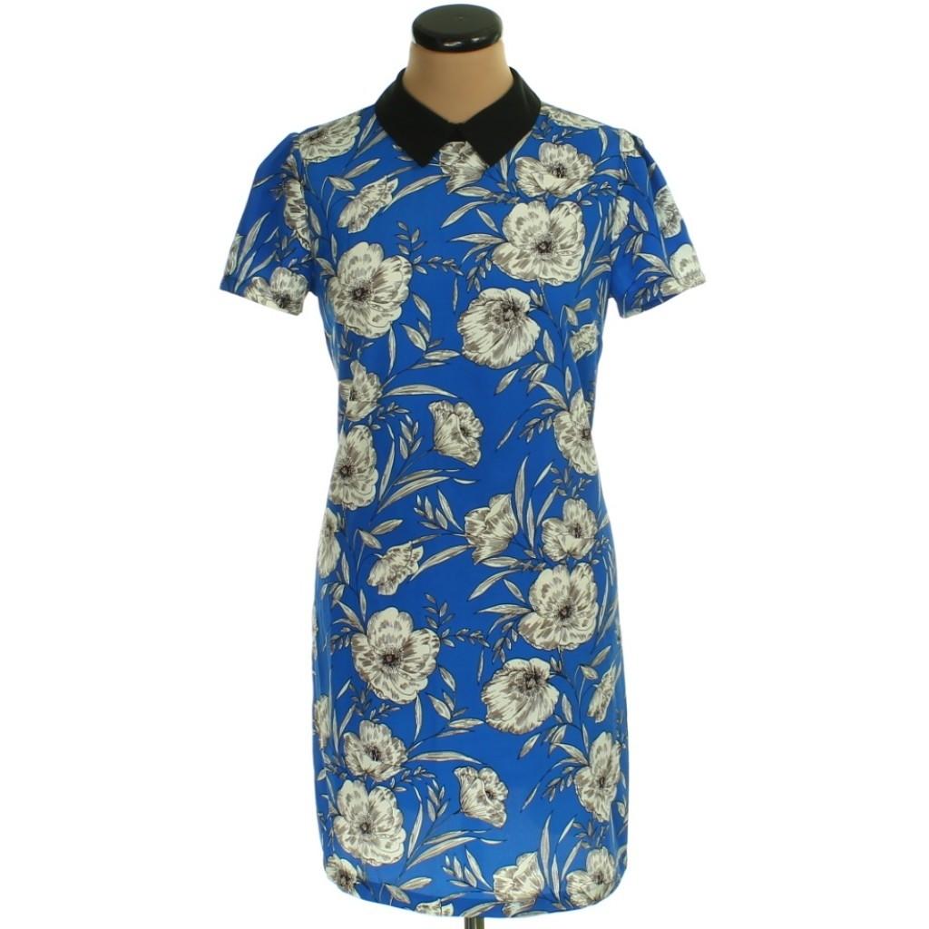 Kék virágmintás ruha