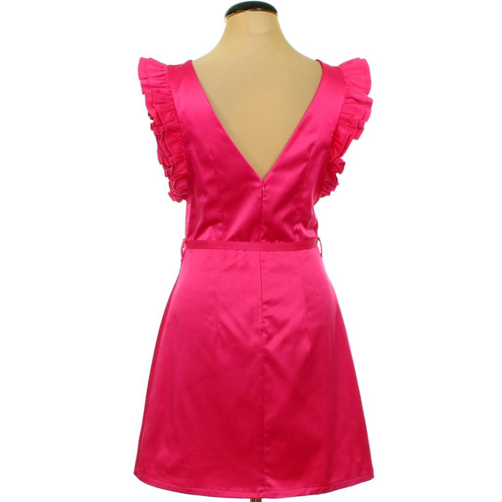 Rózsaszín ruha háta