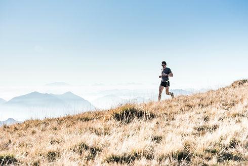 coureur dans la montagne