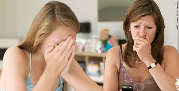 t1larg.cyber.bullying.gi.jpg