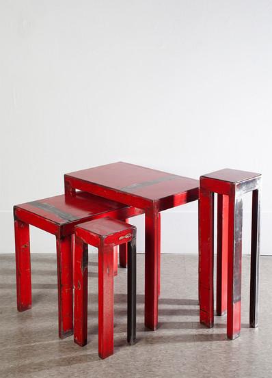 PETITES TABLES ROUGES