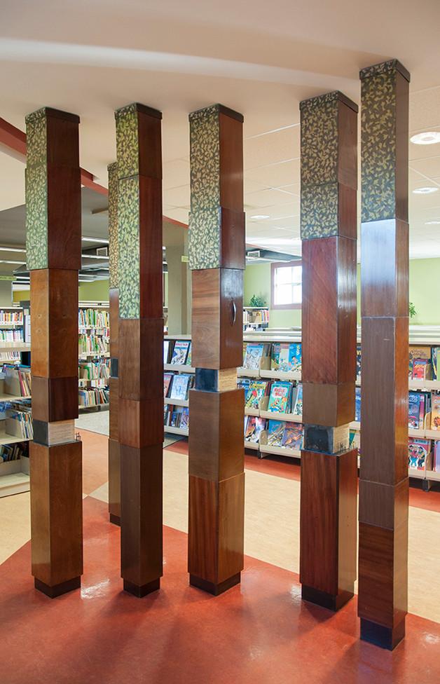 Bibliothèque – Notre-Dame-de-Mont-Carmel 2006