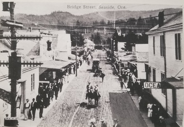 Historical photo of Broadway Street, then called Bridge Street