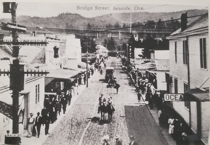 Historical photo of Broadway Street, then called Bridge Street