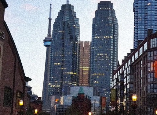 Toronto -A Canadian Metropolis! — OUT  N'  ABOUT