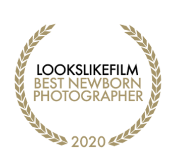 2020BestNewbornPhotographerb.png