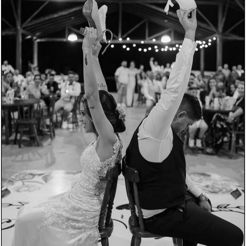 WHAT STYLE OF WEDDING DANCE
