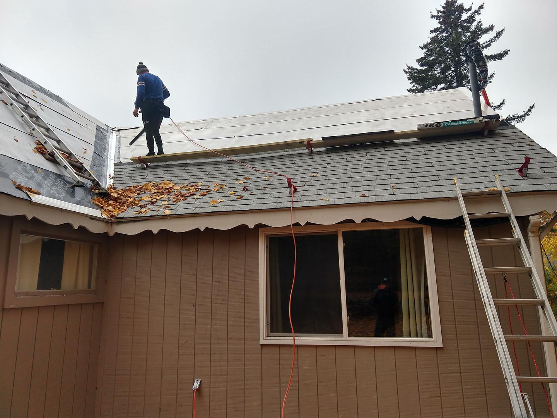 2019-10-22 Beast Roof (2).jpg