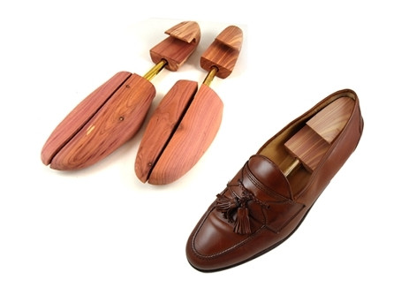What You Can Do To Protect Your Leather Shoes from Moisture Damage