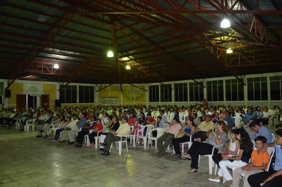 Más de 200 líderes reunidos...
