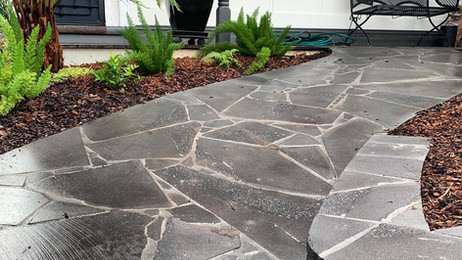Viewbank Paving in Melbourne front yard paving.jpg